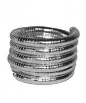 Zilveren armband gedraaid