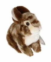 Zittend konijntje knuffel bruin wit 22 cm